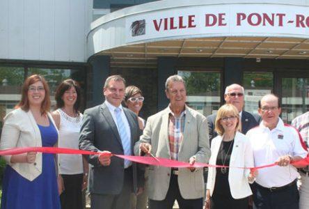 Pont-Rouge inaugure son hôtel de ville