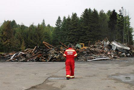 Le feu détruit un garage à Neuville