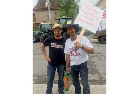Des Portneuvois manifestent à Ottawa