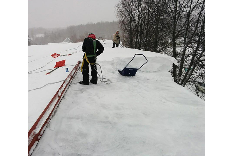 Attention à la neige sur les toitures