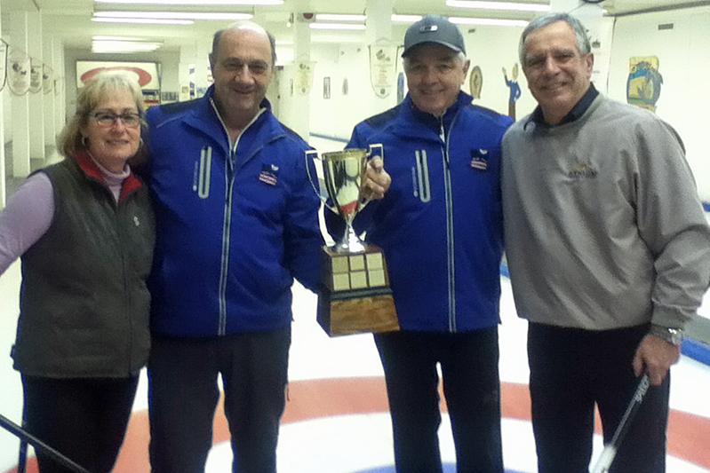 Gagnants du tournoi de curling des Fêtes Desjardins