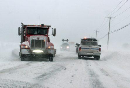 Le mauvais temps cause accidents et fermeture de routes