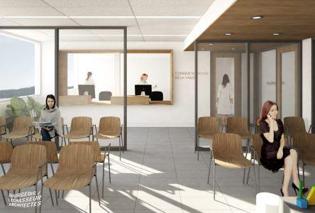 Des médecins lundi à la nouvelle clinique de Saint-Raymond