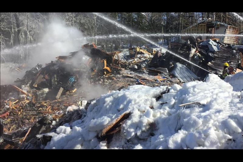 La maison de Joé Juneau rasée par les flammes