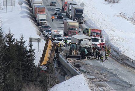 Un camionneur meurt dans un accident à Portneuf