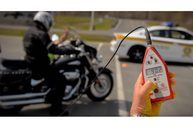 Le sonomètre légal pour mesurer le bruit des motos