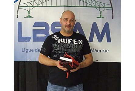 Éric Perreault, lanceur de la saison dans la LBSAM