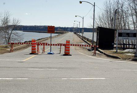 Pour contrer les attroupements: Portneuf ferme le quai aux véhicules