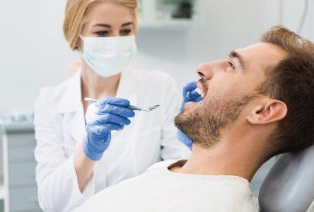 4 raisons de consulter son dentiste régulièrement