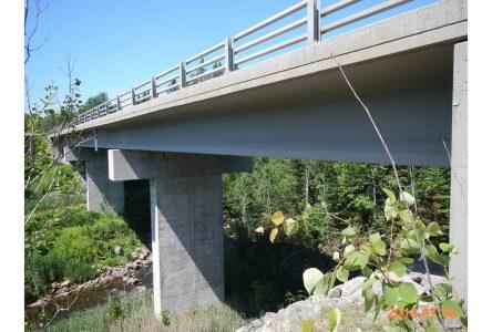 Travaux sur le pont de la route 365 à Pont-Rouge