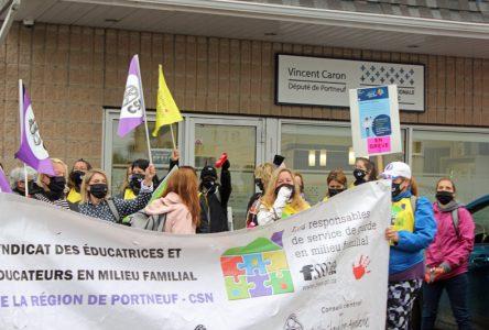 Les responsables des services de garde CSN en grève