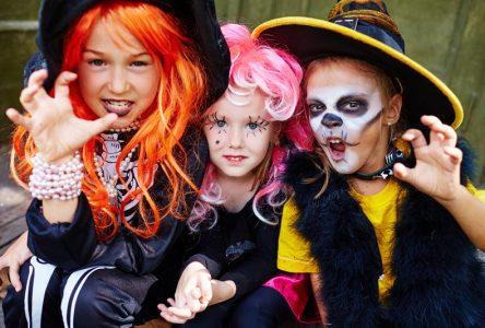 Legault dit oui à l'Halloween… en famille