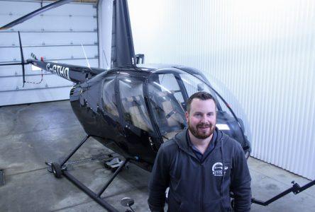 Une école de pilotage d'hélicoptère à Neuville
