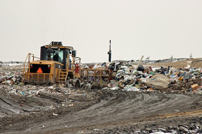 Des travaux pour réduire les odeurs du site d'enfouissement de Neuville