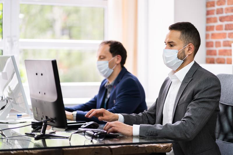 Le masque sera obligatoire en milieu de travail