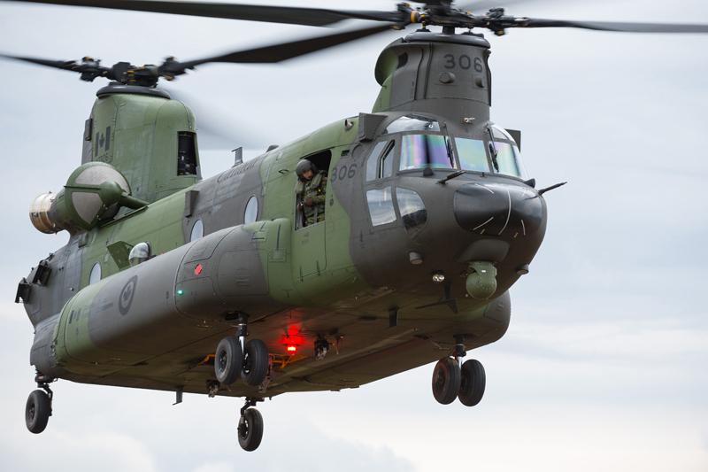 Des hélicoptères de l'armée au-dessus de Neuville et Duchesnay
